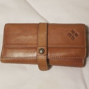 Accessories - Patricia nash large wallet